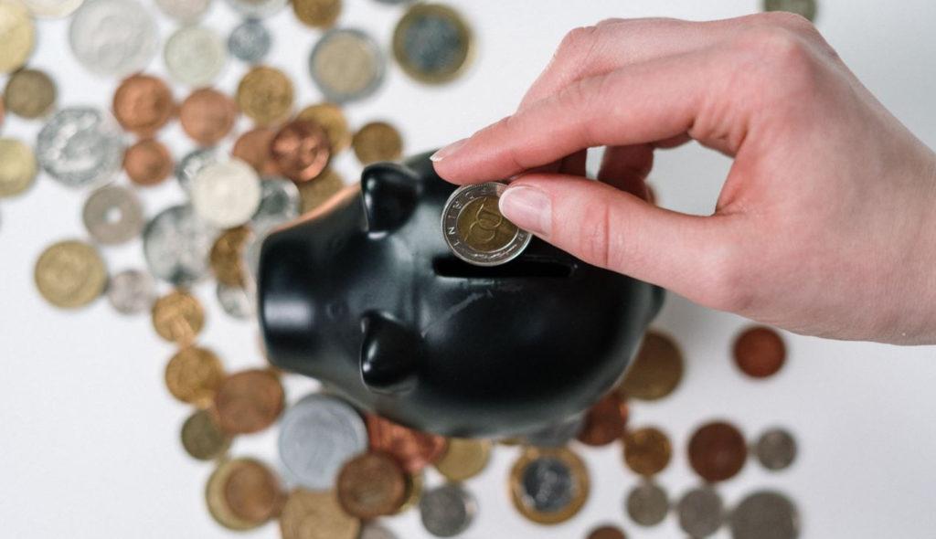 Как научиться экономить и откладывать деньги при маленькой зарплате